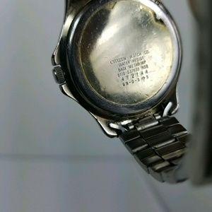 Citizen Accessories - Citizen Quartz Water Resist 6110 Vtg Wrist Watch